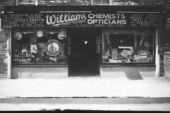 Williams-chemist-shop-After-that-Mr-Jim-May-had-it-as-a-greengrocers-followed-by-Jimmy-Pidcock-then-Fred-Ivy-the-Setters-Restand-now-Cornish-Insurance